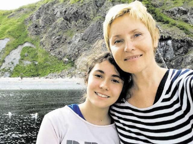 Спустя 10 лет, 7 апреля 2001 года, молодые люди официально зарегистрировали брак.Через год, в сентябре 2002-го, у семьи Савона в Риме родилась дочь Аличе (Алиса).
