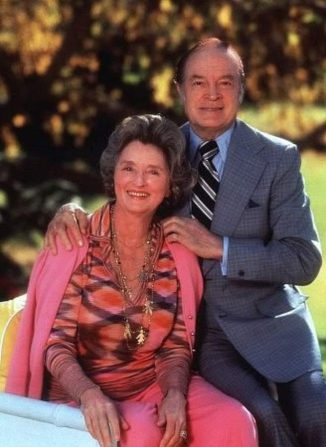 На своей супруге Долорес он женился в 1934 году и совсем немного не дожил до 70-летнего юбилея свадьбы. Сама Долорес при этом прожила 102 года.