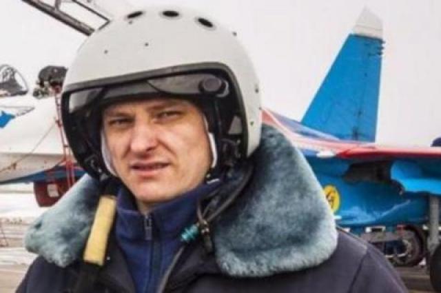 Пилот самолета Су-27 Сергей Еременков , когда понял, что крушение неизбежно, предпринял все возможные действия для отвода истребителя в сторону от населенного пункта.