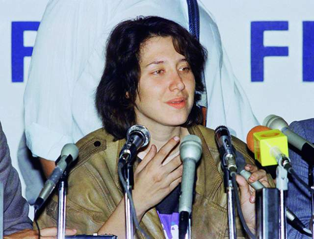 Констансо убили полицейские, когда он пытался бежать в 1989 году, а его жена Сара до сих пор отбывает тюремный срок.