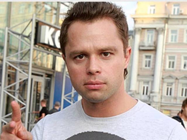 Виталий Гогунский. Будущий актер с 12 лет начал работать, подрабатывая уборщиком в почтовом отделении, а также грузчиком и разнорабочим на стройке.