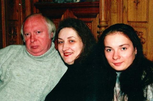 Певец скончался 26 апреля 1997 года от сердечной недостаточности, и был похоронен на Кунцевском кладбище.
