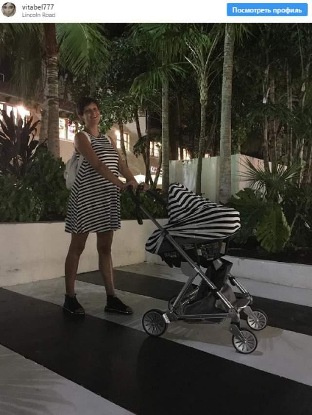 Всегда хрупкая Талышинская после родов заметно набрала вес. Прибавившиеся килограммы удивили и саму певицу: подобных проблем у нее никогда не было.