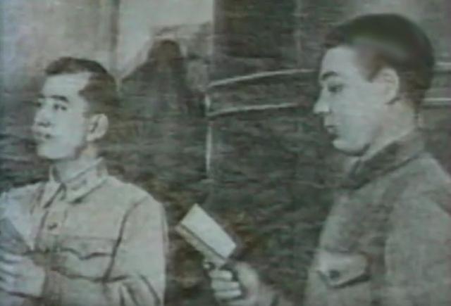 Но уже в январе 1943 года вместе с курсантами училища добровольцем в составе маршевой роты отправился на Калининский фронт.