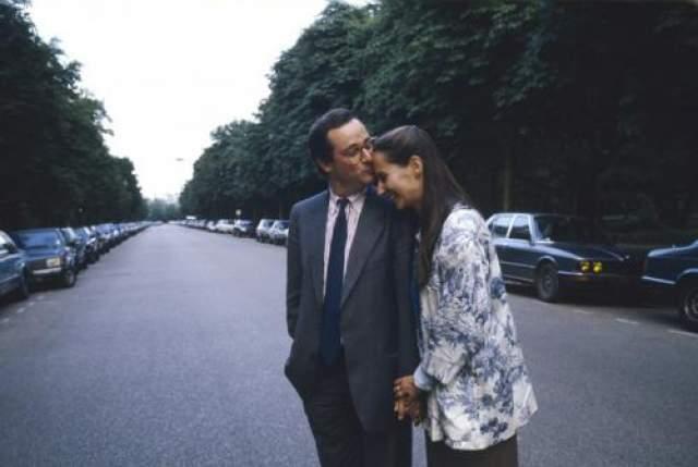 Француа Оланд Президент Франции никогда не заключал официальных браков. С Сеголен Руаяль он прожил двадцать восемь лет. Их брак был гражданским.