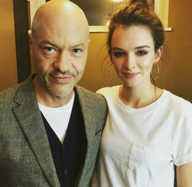 В марте 2016 года пара подала документы на развод. Вскоре стало известно, что Федор Бондарчук начал подготовку к свадьбе с актрисой Паулиной Андреевой , с которой он встречается с осени 2015 года.