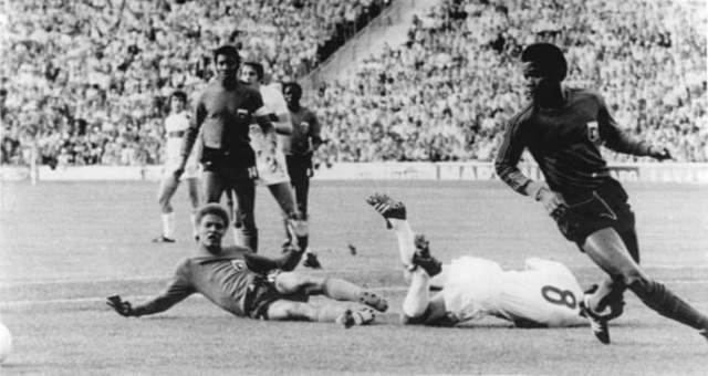 Эрнст Жан-Жозеф. Игрок сборной Гаити - первый в истории чемпионатов мира футболист, уличенный в применении допинга именно на ЧМ-1974.