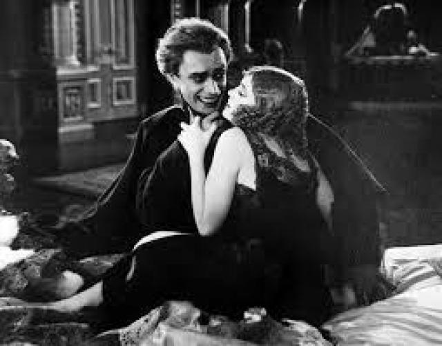 """Фейд был просто потрясен внешностью Баклановой и тут же предложил ей стать партнершей по фильму """"Человек, который смеется""""."""