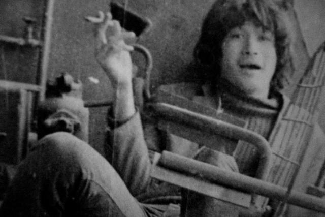 Первую гитару же родители подарили ему в 5-м или 6-м классе. Уже в 8-м он организовал в школе свою группу.