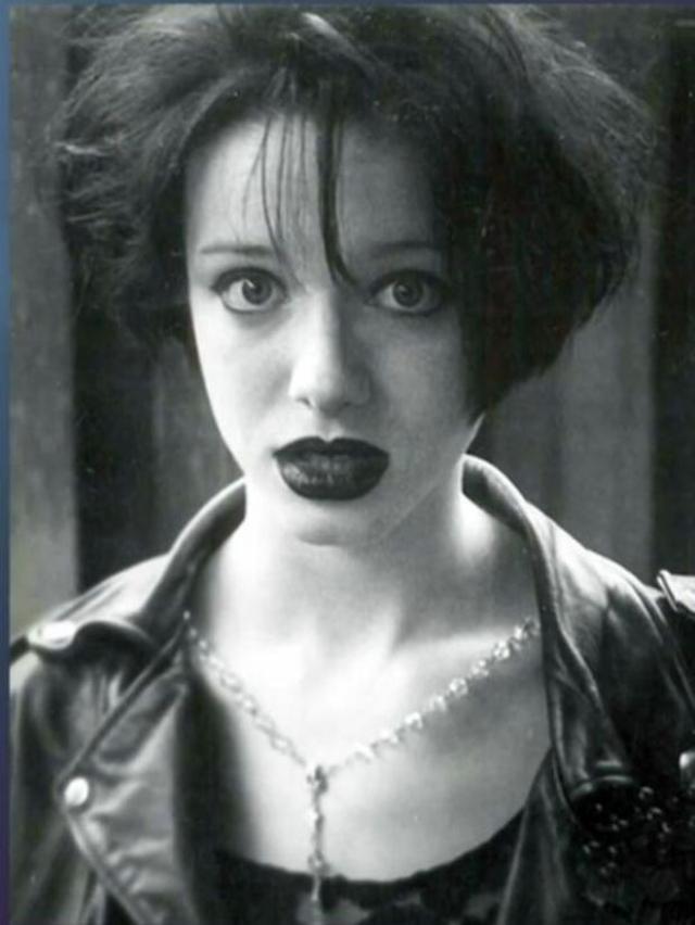 """Актриса не могла обеспечить себя с помощью актерской игры, до того как снялась в """"Безумцах""""."""