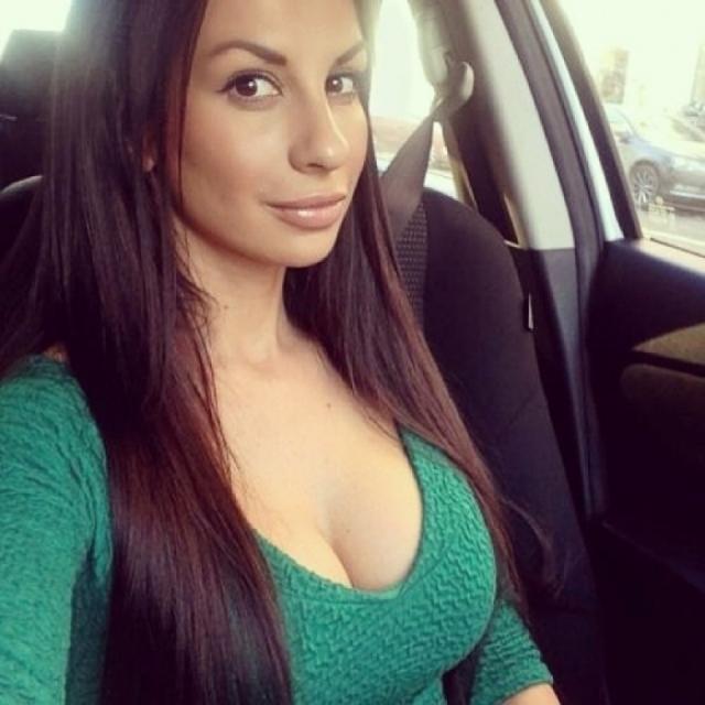 По ее словам, муж всегда противился тому, чтобы она реализовывала себя в работе, поэтому после разрыва она отдалась именно этому занятию.
