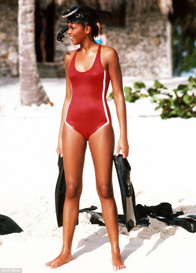 До 1985 года будущая суперзвезда также была популярной моделью и часто появлялась на обложках и страницах журналов вроде Seventeen, Young Miss, Glamour и Mademoiselle.