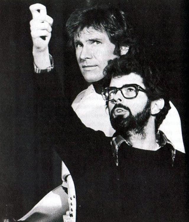 Будущему актеру довелось заняться отделкой кабинета для молодого режиссера Джорджа Лукаса.