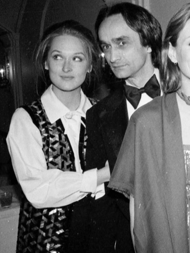 Мерил Стрип. Отношения с Джоном Казале были первым серьезным романом актрисы.40-летний актер уже активно снимался, а 27-летняя девушка с Бродвея только грезила о большом экране.