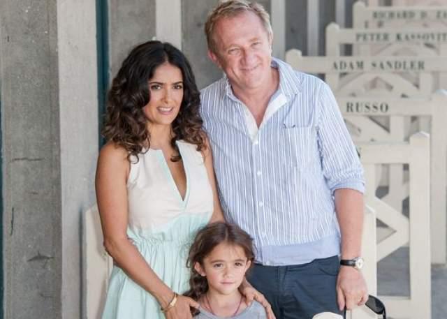 Влюбленные сыграли свадьбу в 2009 году, а сейчас растят дочь Валентину.