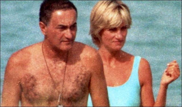 """По словам телохранителя Доди, утром после смерти Джанни Версаче он нашел Диану на палубе семейной яхты Аль-Файедов. """"Думаете, они сделают то же самое со мной?"""" - спросила Диана."""