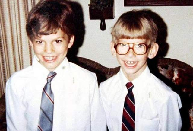 Эштон Кутчер и Майкл Кутчер, 40 лет. У младшего брата-близнеца известного голливудского актера с рождения проблемы с сердцем, плюс к этому - ДЦП. Эштон, несмотря ни на что, очень любит его, и, когда в 13 лет у Майкла произошла клиническая смерть, он едва не покончил с собой.