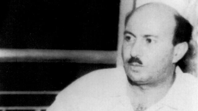 По совету Вадея Хаддада, Карлос в течение 1974 и 1975 гг. начал работать с другими террористическими группами.