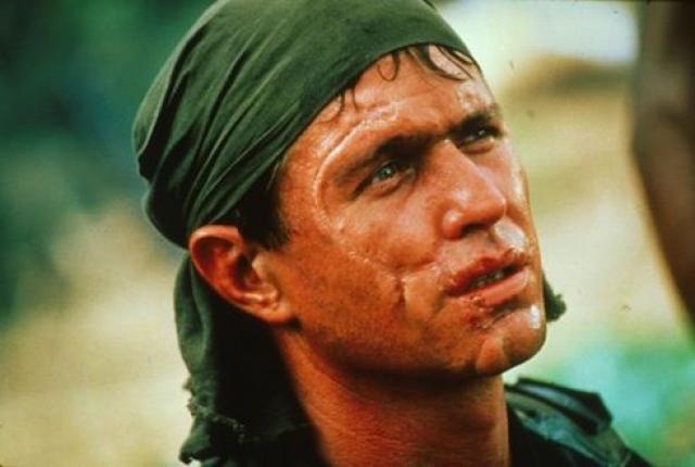 """Том Беренджер. Помимо многочисленных ролей в мылльных операх, актер запомнился образом сержанта Барнса в фильме """"Взвод"""", """"Огонь на поражение"""" и другими."""