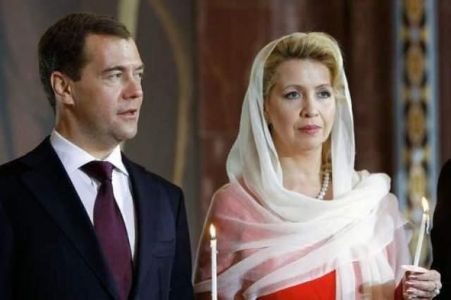 Дмитрий Медведев с супругой в 2011 году