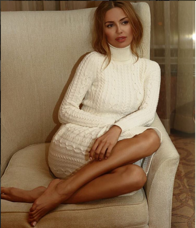 Виктория Боня копирует Беллу Потемкину. В начале декабря 2015 года телеведущая выпустила дебютную коллекцию одежды совместно с брендом MAISON D'ANGELANN. Но оказалось, что модель молочного оттенка с высоким воротником очень похожа на модель из осенне-зимней коллекции другого российского дизайнера − Беллы Потемкиной. Обвинения в плагиате светская львица тогда оставила без внимания.