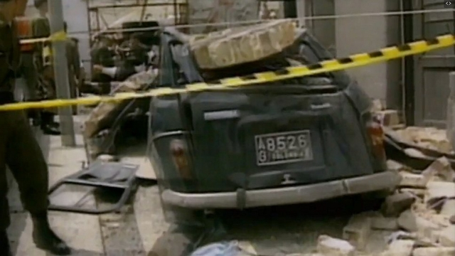 Перед выборами президента Колумбии киллеры только в Боготе совершили в течение двух недель 7 взрывов, в результате которых погибло 37 и получили тяжкие увечья около 400 человек.