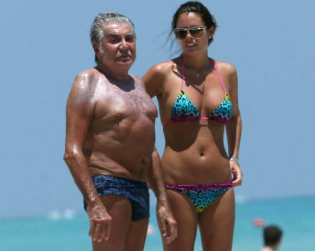 Вот уже более семи лет 74-летний Роберто счастлив с 27-летней Линой, модельной внешности которой можно лишь позавидовать.