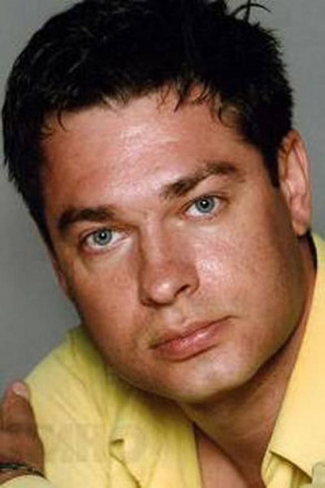 """Максим Афанасьев. В декабре 2009 по подозрению в убийстве был задержан киноактер, известный по фильмам """"Егерь"""", """"Тайная стража"""", """"Первые на Луне"""", """"Формула зеро""""."""
