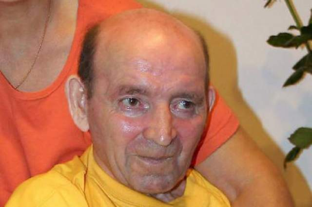 Человек вышел из комы спустя 19 лет В 1988-м году польский железнодорожник Ян Гржебски был на работе: он прикреплял один вагон к другому, что-то пошло не так, и в результате Гржебски упал и сильно ударился головой. Это послужило причиной тяжелой травмы, кроме того, в его мозге нашли опухоль, которую врачи изначально приняли за рак.