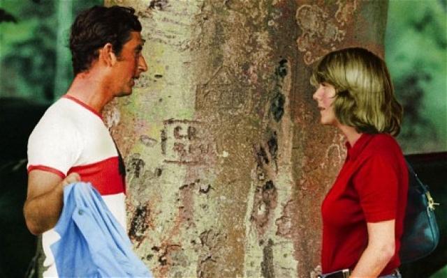 Принц Чарльз - Камилла Паркер-Боулз. Еще в 70-годах принц Уэльский и Камилла симпатизировали друг другу.