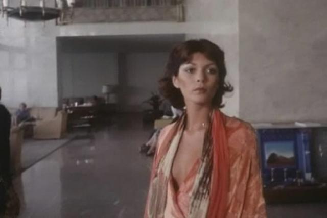 Для неискушенных эротоманов героиня Коринне, полтора часа проходившая с оголенной грудью, казалась настоящей порнозвездой.
