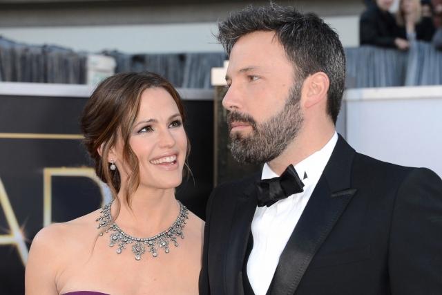 Наиболее шокирующий разрыв отношений в этом году - решение Бена Аффлека и Дженнифер Гарнер развестись после десяти лет брака.