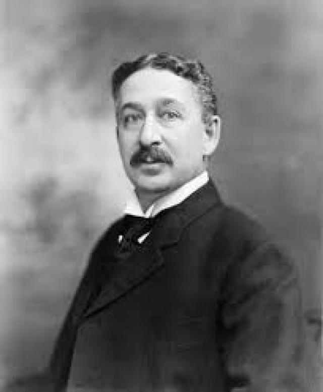 Gillette. Созданная в 1901 году американским изобретателем Кингом Кэмпом Жиллеттом. Жиллетт работал коммивояжером разных фирм и мечтал о большом изобретении. В возрасте 40 лет во время бритья у него появилась идея, как можно облегчить нудный процесс точения лезвия бритвы.