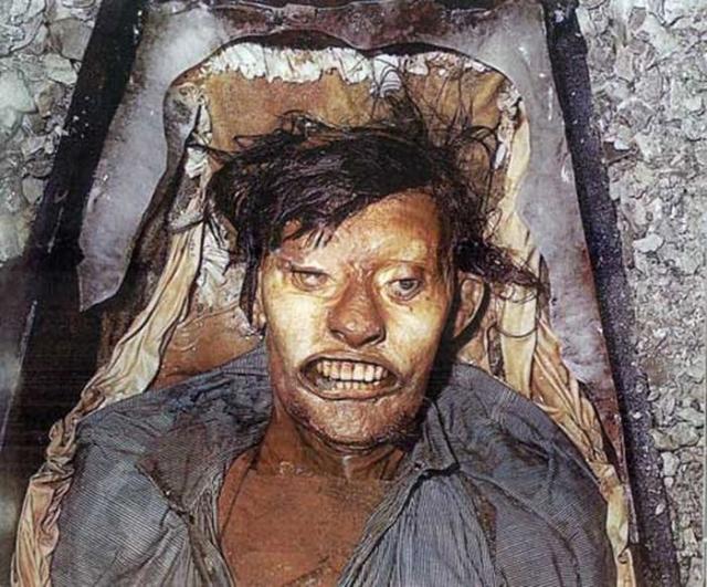 Исследователи нашли следы пневмонии и туберкулёза, а также очень большое количество свинца, которое и могло погубить моряков.