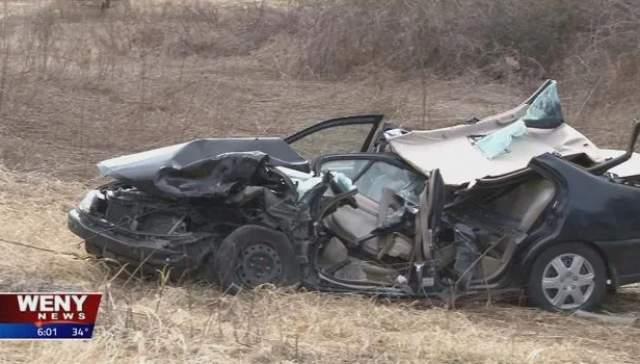 Как показала экспертиза, 57-летний Кларк Морс, водитель автомобиля, врезавшегося в авто Синтии, был пьян. 45-летняя сестра Синтии, Лила Сью Джей, которая ехала вместе с ней в машине, погибла на месте. Сама Синтия в тяжелейшем состоянии попала в больницу, где врачи отчаянно сражались за ее жизнь, но она осталась навсегда прикованной к постели.