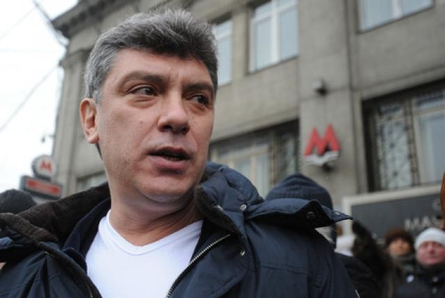 """Борис Немцов : """"Компромиссный вариант: снижение повышения""""."""
