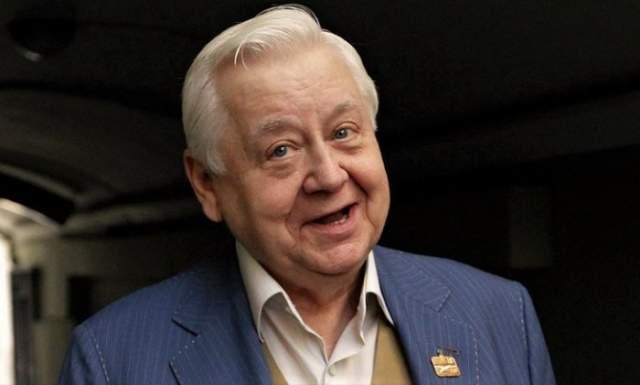 Олег Табаков утверждал потом, что, играя женщину, главное даже не подобрать верный грим и одежду, а поймать кураж, войти в нужный настрой.