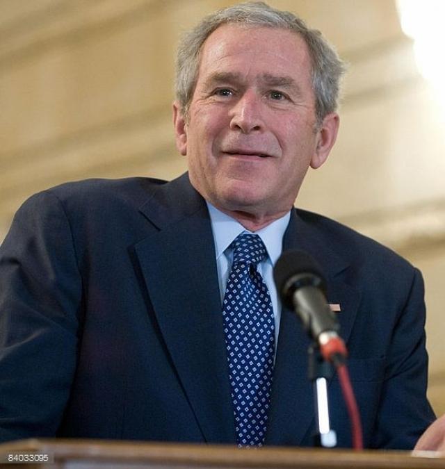 """Сразу после инцидента Буш, среди прочего заявил, что """"не держит зла на того парня"""", а инцидент вообще считает """"забавным"""". """"Такое бывает, и это признак свободного общества"""" , - резюмировал Буш. Позже он охарактеризовал инцидент как самый странный момент своего президентства."""