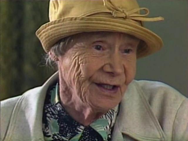 """Во второй половине жизни актриса снова вернулась к детской аудитории - самые яркие ее киноработы зафиксированы в выпусках """"Ералаша"""". Ирина Мурзаева ушла из жизни в январе 1988 года, сохранив в памяти образ веселой, бойкой, жизнелюбивой бабушки."""