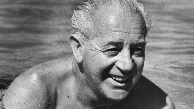 17 декабря 1967-го Холт купался в Шевиот Бич в штате Виктория, и, по некоторым данным, утонул. Однако его тело так и не было найдено.