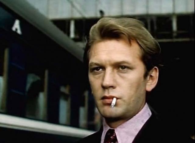 """Леонид Дьячков. Известный актер, известный по фильму """"Гори, гори, моя звезда!"""" выбросился с балкона собственной квартиры."""