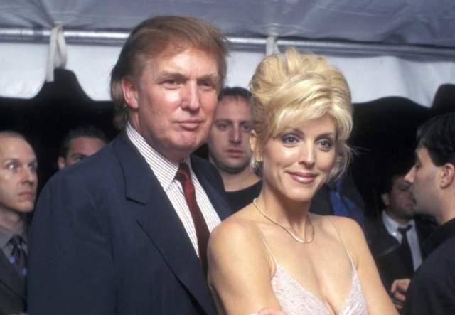 Виной тому стап роман Трампа с 29-летней Марлой Мейплз, на которой он также женился. Они развелись 8 июня 1999 года.