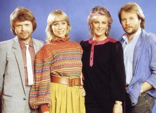 Осенью 1982 года в честь десятилетия группы музыканты выпустили двойной сборник хитов, а также выступили на ТВ Англии, Германии и Швеции. После этого каждый из них занялся записью сольных пластинок.