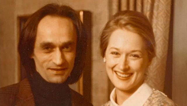 """Карьера Мерил стремительно пошла в гору. Вскоре она отправилась в Австралию на съемки сериала """"Холокост"""", а Джон, уже знавший, что болен раком, не стал огорчать ее."""