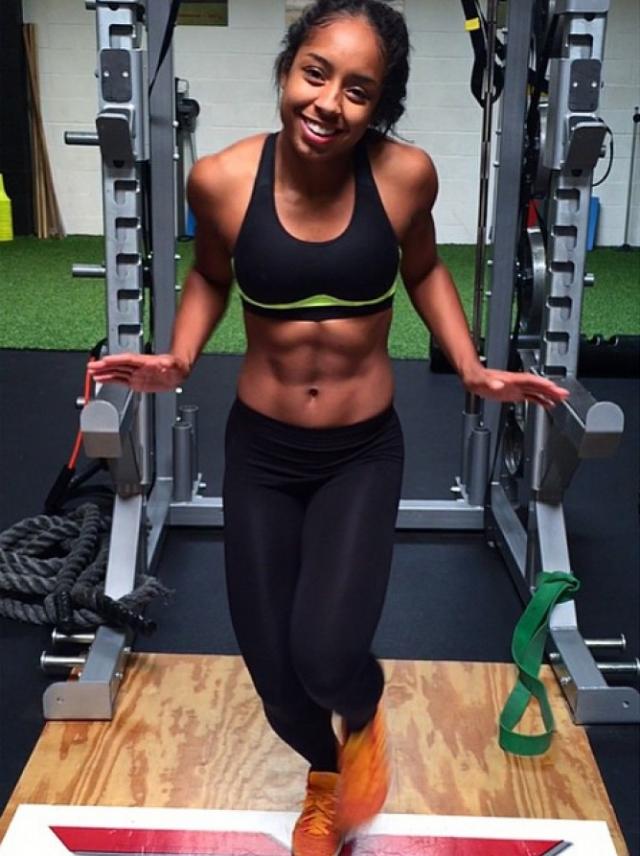 Так Кимма стала профессиональным фитнес-тренером.