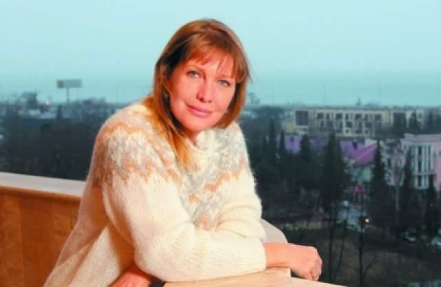 Елена Проклова - сыновья-близнецы, 1 день жизни. Сын, 8 дней. Дети умерли, едва увидев белый свет, и актриса еще полтора года не могла прийти в себя.