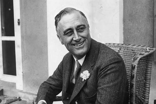 Рузвельт провел на этом посту четыре срока и считается самым продуктивным государственным деятелем - по количеству проведенных реформ и преобразований с ним пока не может сравниться никто из президентов США: так за первые одиннадцать дней на посту он провел в Конгресс больше законов, чем все его предшественники за семьдесят лет.