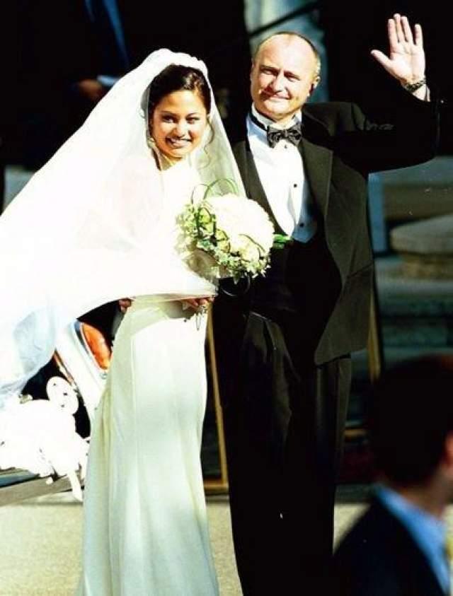 Один из самых известных участников британской группы Genesis Фил Коллинз был женат трижды. Со своей третьей супругой, моделью Орианной Цивей, музыкант прожил девять лет, пара поженилась в 1999-м году.