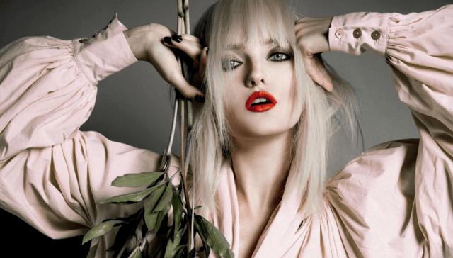 Среди ее работодателей бренды Gucci, Hermes, Nina Ricci, Burberry, Moschino, Dolche&Gabbana, Prada, Roberto Cavalli, Sonia Rykiel, Givenchy, Stella McCartney, Valentino...