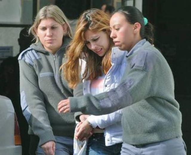 В 2011 Суд в Буэнос-Айресе приговорил Энджи Санклементе Валенсию к 6 годам и восьми месяцам тюрьмы: бывшая колумбийская королева красоты помогала своему приятелю вербовать девушек для контрабанды кокаина в Европу через Мексику.